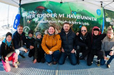 Gruppebilde fra ryddeaksjon på Skansen.